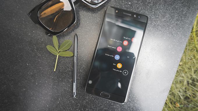 qua-20-10-chon-smartphone-co-khuyen-mai-lon-tang-den-hon-3-trieu-88956
