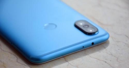 Xiaomi Mi 6X xách tay: giá rẻ như ' rau ngoài chợ'