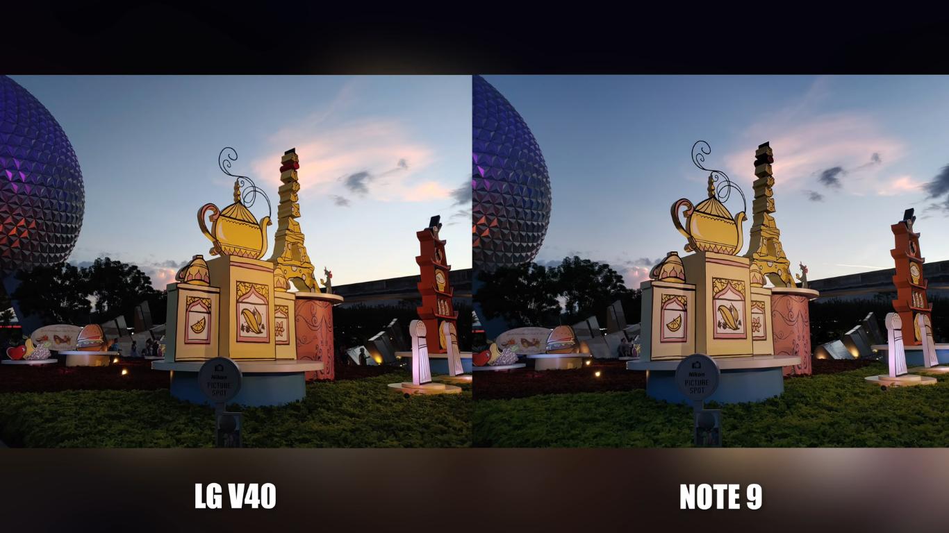 Ảnh bên trái của LG V40 ThinQ thể hiện màu vàng ấm và màu nâu đất ấm hơn so với Galaxy Note 9