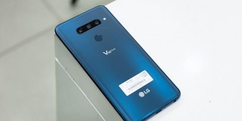 Trên tay LG V40 ThinQ đầu tiên tại XTmobile: 5 camera ấn tượng giá chỉ từ 15 triệu