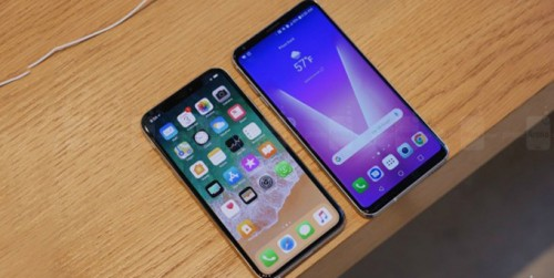 Cuộc chạm trán của 2 Kỳ phùng địch thủ iPhone X và LG V30 năm nay