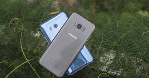 Cuộc đối đầu không khoan nhượng giữa Galaxy S8 Plus và HTC U11