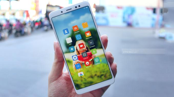 Xiaomi Redmi Note 5 Pro (3GB/32GB) sở hữu kích thước 6 inch dùng tấm nền IPS LCD