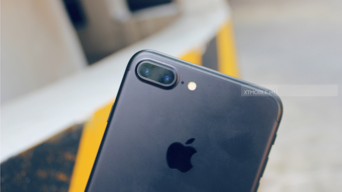 iPhone 7 Plus sử dụng camera kép trong khi iPhone 7 sử dụng camera đơn