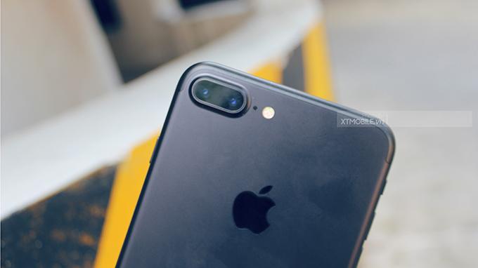 iPhone 7 Plus 32 GB Quốc tế cũđược trang bị cụm camera kép ở lưng