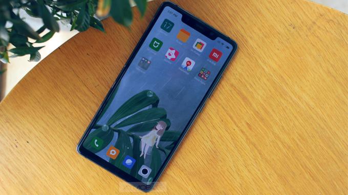 Xiaomi Mi 8 SE ( 4GB/ 64GB) sở hữu độ phân giải Full HD+