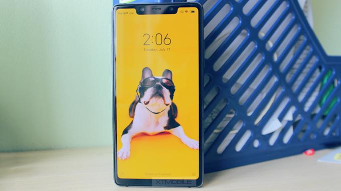 Xiaomi Mi 8 SE sở hữu màn hình 5.88 inch có độ phân giải Full HD+