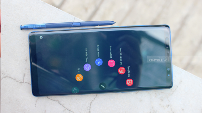 Tỷ lệ mặt trước màn hình Galaxy Note 8 rất lớn, cho khả năng trải nghiệm tuyệt vời