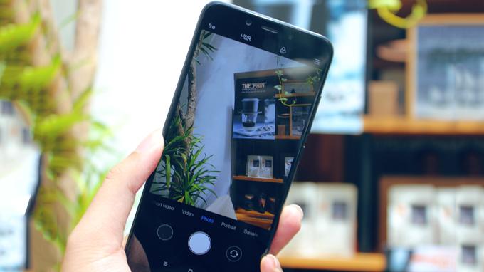 Xiaomi Mi 6X ( 4GB/ 64GB) sở hữu cụm camera kép ở mặt lưng