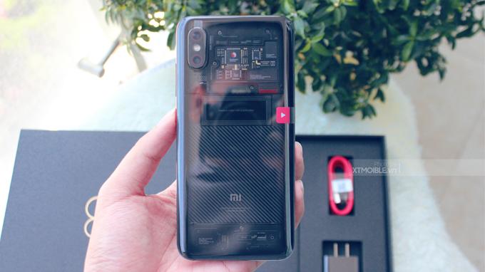 Xiaomi Mi 8 EE tạo điểm cộng nhờ sự khác biệt với thế giới