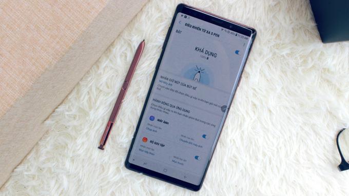 Bút S-Pen trên Galaxy Note 9 128GB Hàn Quốc có khả năng điều khiển từ xa, cho trải nghiệm tuyệt vời
