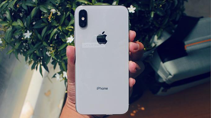 iPhone X 256GB CPO sử dụng loại kính cường lực mới chống bám bẩn vân tay cực tốt