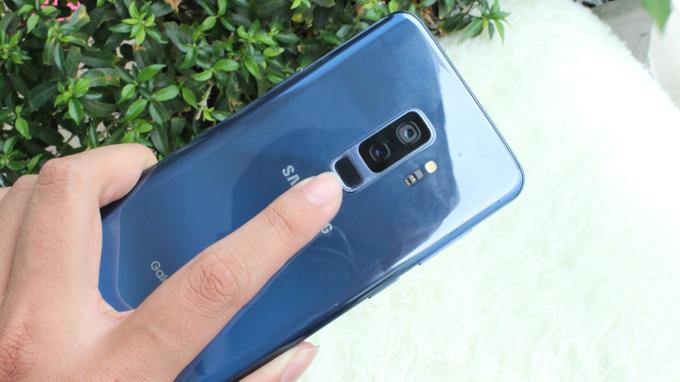 Cụm camera kép và cảm biến vẫn tay trên Galaxy S9 256GB cũ Hàn Quốc được đặt ở phía sau
