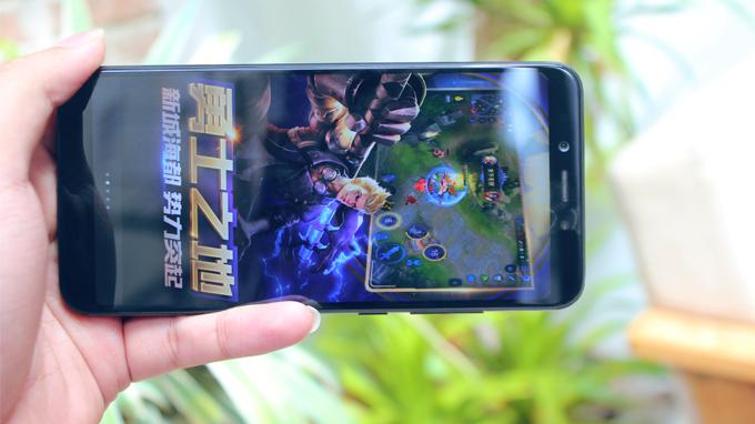Xiaomi Mi 6X (6GB/128GB) sở hữu chip mạnh tương tự Snap 821