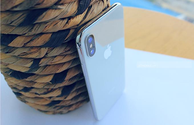 iPhone X 256GB có thể làm đầy 50% pin trong 30 phút