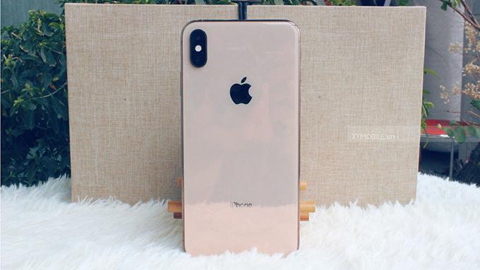 iPhone Xs Max 64GB được làm từ những chất liệu cao cấp