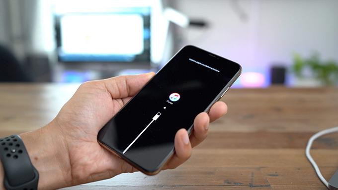 iPhone XS sử dụng công nghệ pin tốt nhất, hiện đại nhất năm 2018
