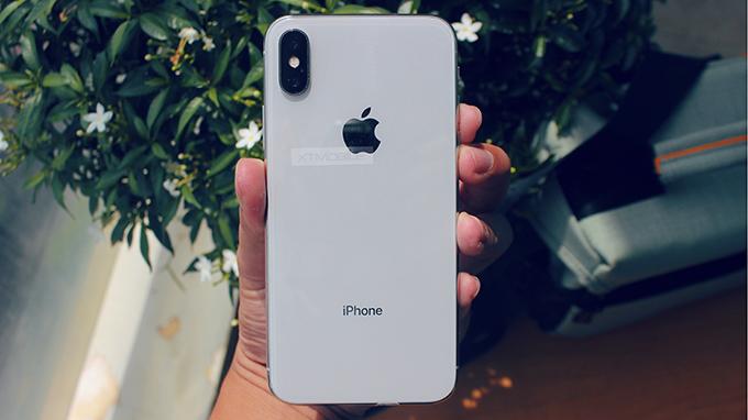iPhone X 64 GB cũ nhìn không khác so với máy mới 100%