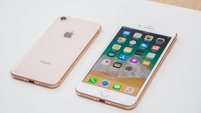 Mua iPhone 8 64GB cũ sẽ nhận nhiều món quà giá trị