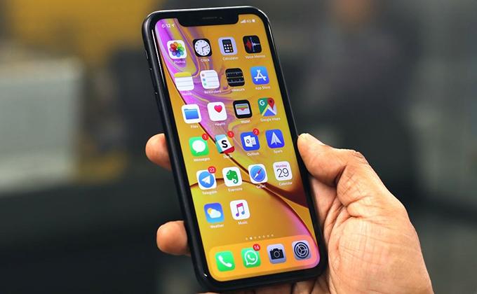 Dung lượng pin lớn và hoạt động tiết kiệm cho phép bạn sử dụng iPhone Xr 256GB cả ngày