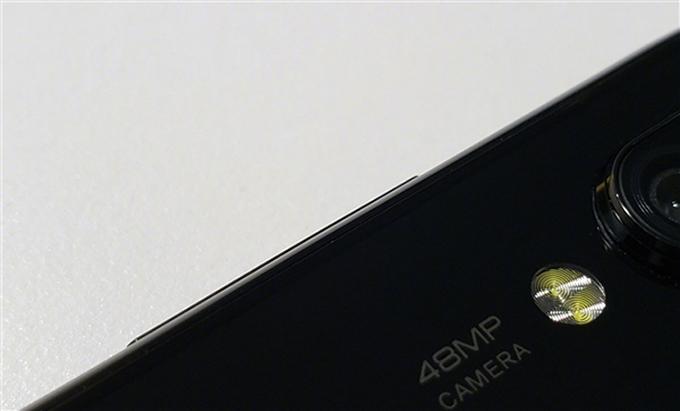 Chủ tịch Xiaomi đã làm lộ hình ảnh đầu tiên của Xiaomi Mi 9