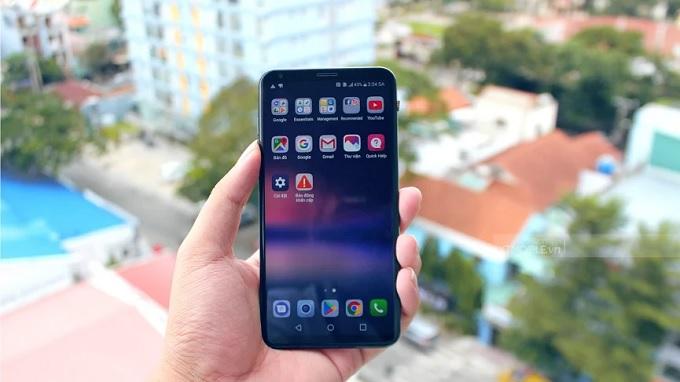 LG V30 Plus có giao diện phần mềm mượt mà