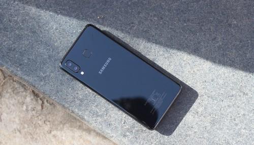 Samsung Galaxy M20 có camera kép và hoàn thiện bằng kim loại
