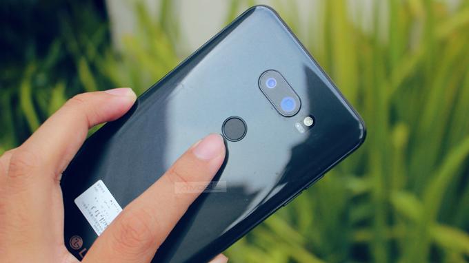LG V30 Bản Mỹ (Like new) sở hữu thiết kế sang trọng