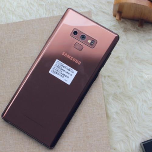 Top 4 điện thoại Samsung đáng mua nhất dịp cuối năm
