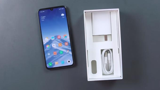 Xiaomi Mi 9 8GB/128GB là chiếc điện thoại cao cấp giá rẻ