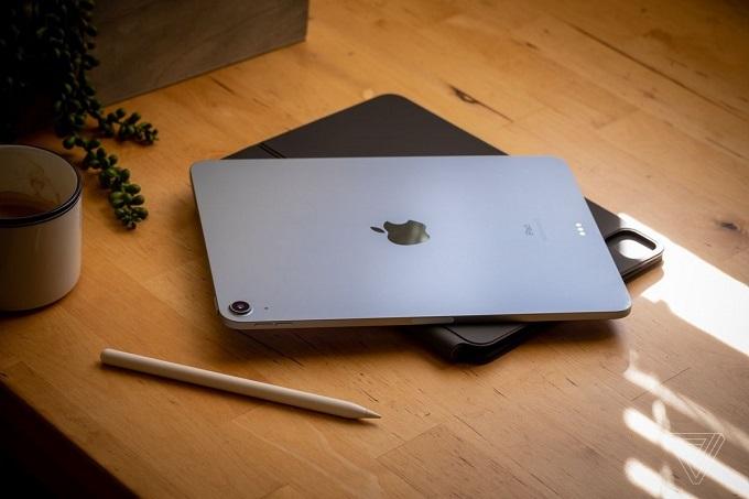 iPad Air 4 (2020) 64GB Wifi mang đến ngôn ngữ thiết kế tương tự với dòng iPad Pro 2020