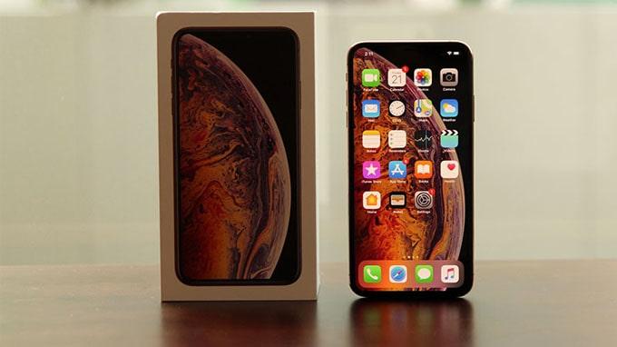 iPhone Xs Max sở hữu thiết kế sang trọng, màn hình lớn nhất từ trước đến nay
