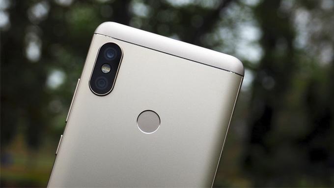 Redmi-Note-5-trang-bi-camera-kep-nhu-iPhone-Xtmobile