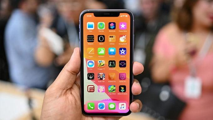 iPhone 11 128GB cũ tự hào khi là một trong 3 thiết bị được chạy hệ điều hành iOS 13 với nhiều tính năng mới lạ và độc đáo.