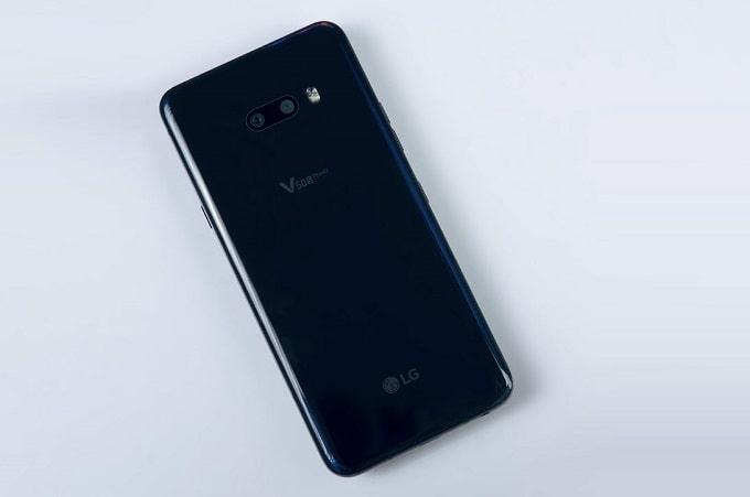 LG V50S ThinQ 5G 256GB có thiết kế gần giống người anh em LG V50 ThinQ ra mắt trước đó