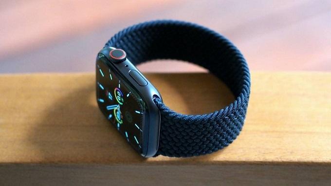Màn hình và hiệu năng vượt trội các dòng smartwatch khác