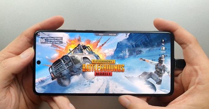Cấu hình Galaxy A72 được cung cấp sức mạnh từ chip Qualcomm Snapdragon 720G