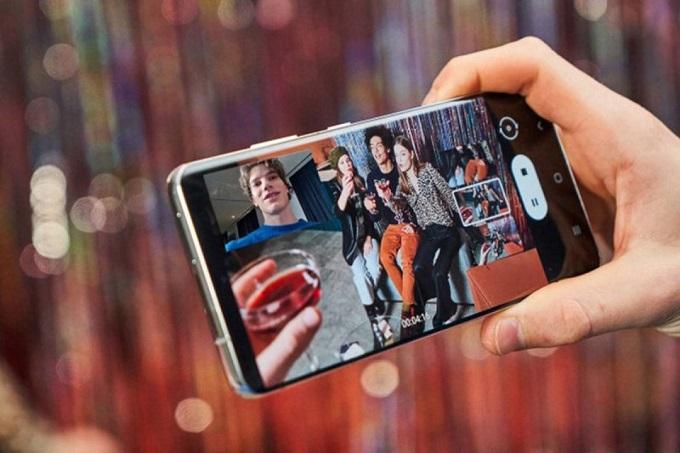 Công nghệ màn hình cho khả năng hiển thị đẹp mắt mà vẫn tiết kiệm pin