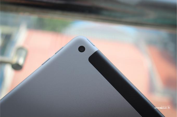 Camera của iPad Gen 5 vẫn đủ dùng và viên pin là điểm sáng