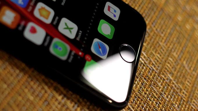 phím Home cứng quen thuộc đã trở lại trên iPhone SE 2020 128Gb