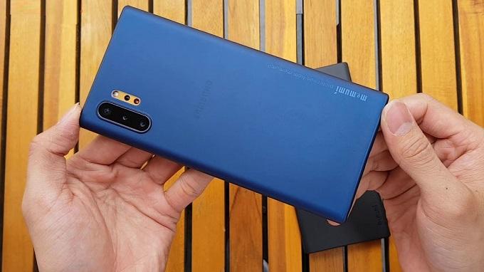 Ốp có thiết kế ôm hoàn hảo vào tất cả cạnh viền của chiếc Note 10 Plus
