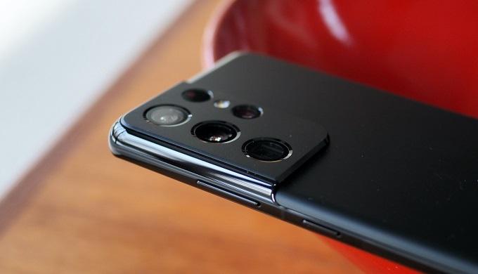Cụm camera không chỉ độc đáo mà còn hiện đại
