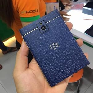 Miếng Dán Da BlackBerry PassPort