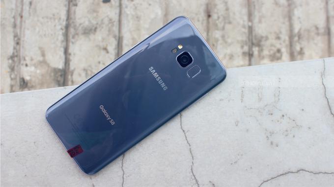 Galaxy S8 cũ xách tay Mỹ được người dùng ưa chuộng bởi thiết kế hoàn hảo, cấu hình cao cấp