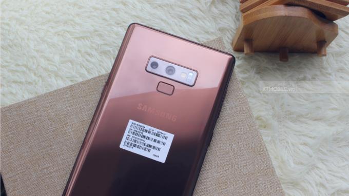 Vị trí cảm biến vân tay trên Galaxy Note 9 được thay đổi xuống dưới camera