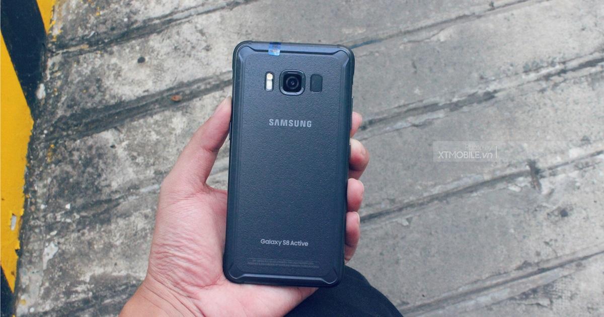 Galaxy S8 Active cũ là dòng sản phẩm nồi đồng cối đá, chịu được môi trường khắc nghiệt về độ ẩm, nhiệt độ và cả va đập.